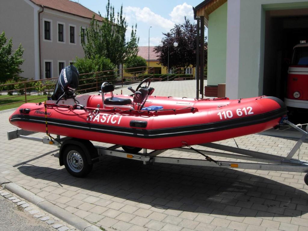Člun Adventure M-470
